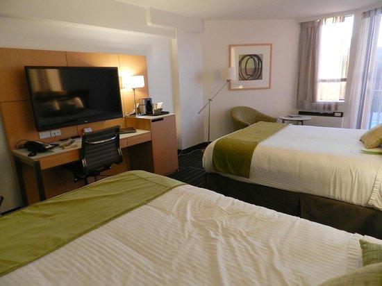 Coast Bastion Hotel: Bedroom