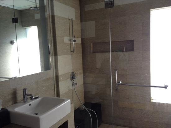 Courtyard Bali Nusa Dua Resort : bathroom