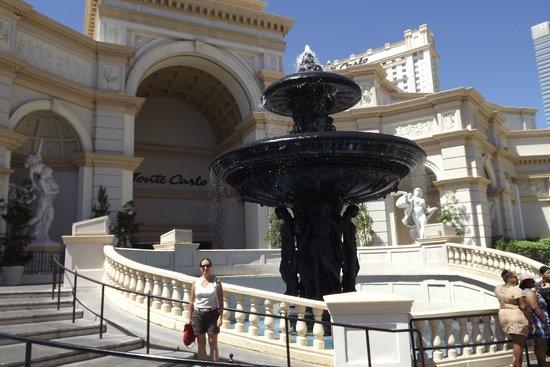 Monte Carlo Resort & Casino : Entrada Principal do Hotel