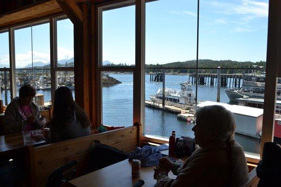 Alaska Fish House: Inside seating