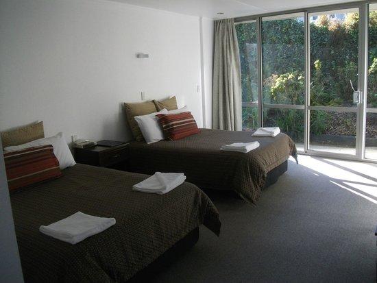 Pacific Park Suites: Apartment Room