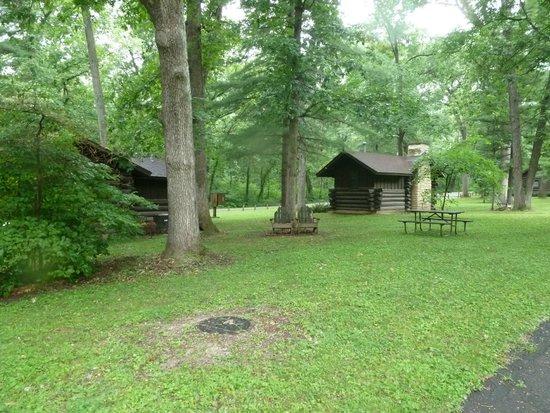 White Pines Inn: Cabins
