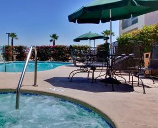 BEST WESTERN John Jay Inn: A nice pool and spa.