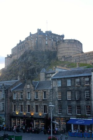 Apex Grassmarket Hotel: Amazing view from the room!