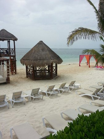 Azul Beach Hotel : Beach