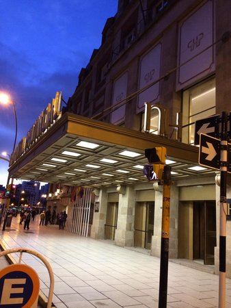 NH Gran Hotel Provincial: Frente