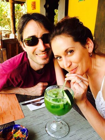 Restaurante Las Estrellas : Becky and Mark enjoying a fresh juice.