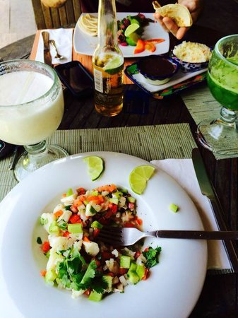 Restaurante Las Estrellas : Banana Coconut smoothie and a delicious mexican ceviche.