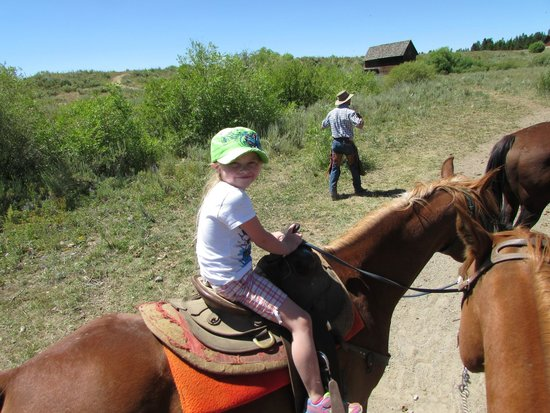 Yellowstone Horses - Eagle Ridge Ranch: first time on a horse