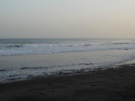 Punta Roca Surf Resort: Playa