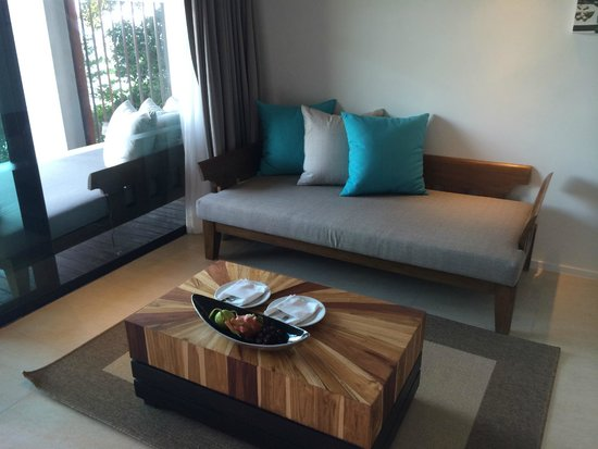 U Zenmaya Phuket: sofa in the room