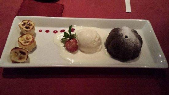 Art Cafe Sanur: Chocolate molten cake