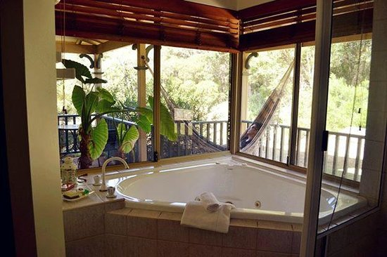 Pinda Lodge: A hammock and spa Jacuzzi!