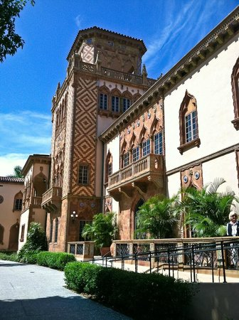 The Ringling: Ringling mansion