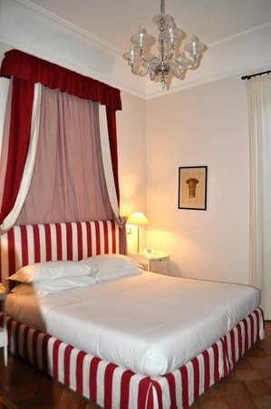Hotel San Pancrazio : Bedroom
