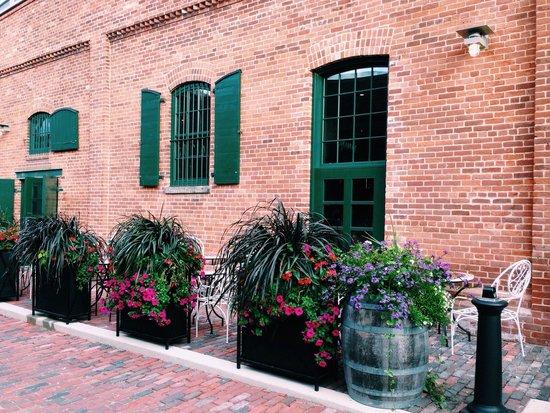 Distillery Historic District: Nice