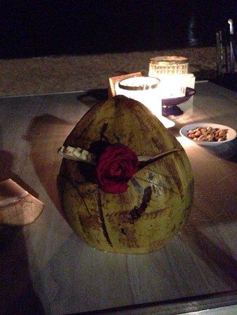 Ganesha Cafe: Pina colada in riva al mare