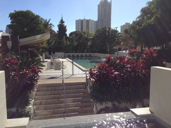 Trilogy Surfers Paradise : Pool, Spa, BBQ area