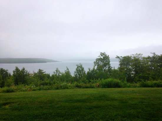 Holiday Inn Express Munising -  Lakeview: The view out our room.