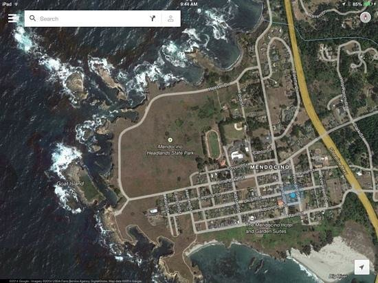 Headlands Inn Bed & Breakfast : blue dot is their location, close to everything!