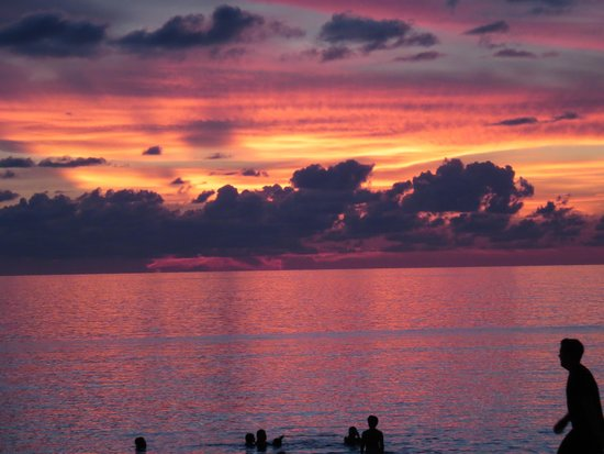 The Ritz-Carlton, Naples: Sunset in front of the Ritz