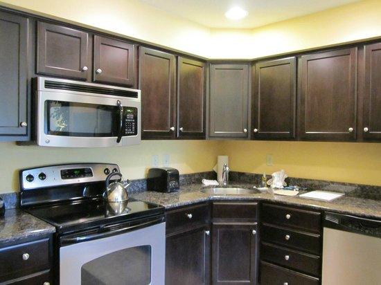 The Colonies at Williamsburg Resort: Kitchen