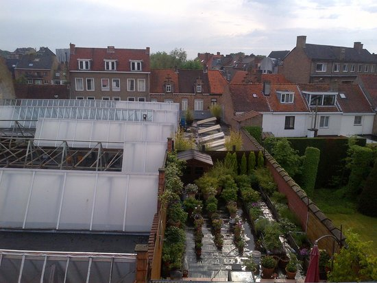 Bed and Breakfast Het Consulaat : Garden from my room