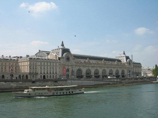 Seine River: Musee D'Orsay from the riverbank