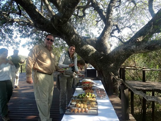 Lion Sands River Lodge: Breakfast in the bush was a treat