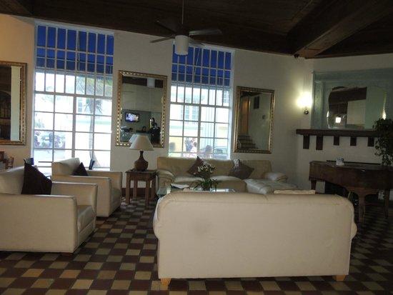 Beach Paradise Hotel : lobby