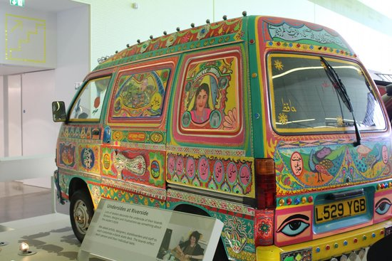 The Riverside Museum of Transport and Travel: Cool Car