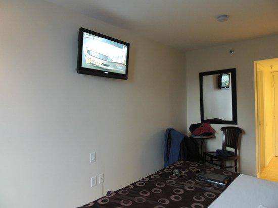 Beach Paradise Hotel: quarto