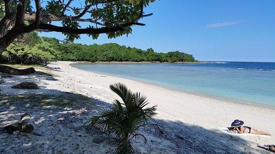 Mangoes Resort: Beautiful Honeymoon beach and in winter!