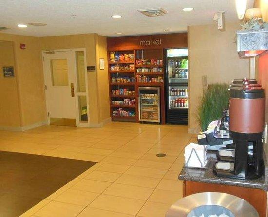 Residence Inn Davenport: Entrance foyer