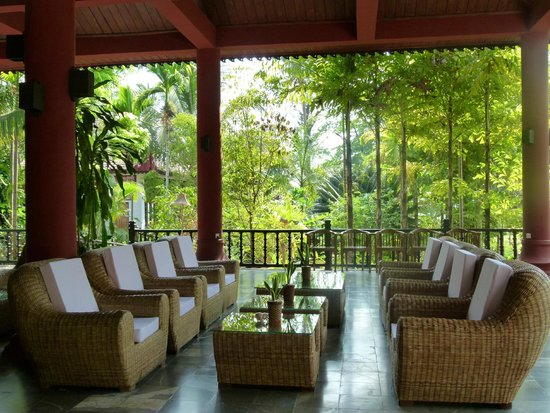 Thande Beach Hotel : Reception lounge