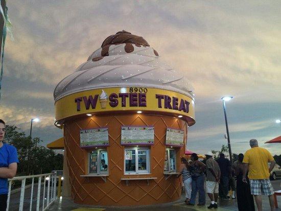 Twistee Treat Westside: Can't miss it