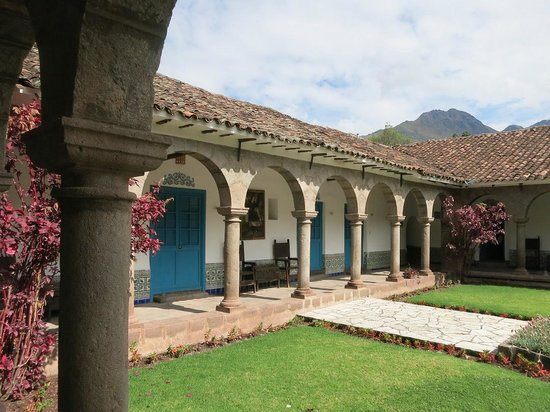 San Agustin Monasterio de la Recoleta Hotel: 中庭を囲む回廊