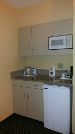 Holiday Inn Express Hotel & Suites South Portland: mini cozinha
