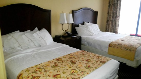Holiday Inn Express Hotel & Suites South Portland: quarto confortável
