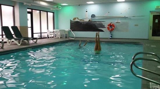 Holiday Inn Express Hotel & Suites South Portland: piscina aquecida