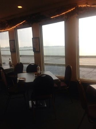 Bella's Italian Grille : A great view