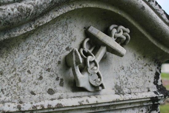 Mount Hope Garden Cemetery: Top of headstone