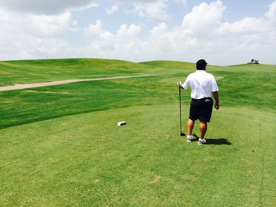 Wildcat Golf Club: It's hard to capture the hills and slopes of the lakes course with your camera, buts it's very n