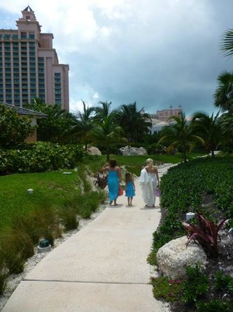 Atlantis, Beach Tower, Autograph Collection: Bahamas wedding