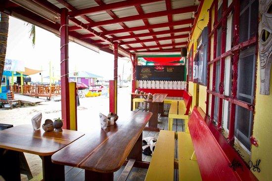 Doc'ks Tiki Bar & Grill: The downstairs patio