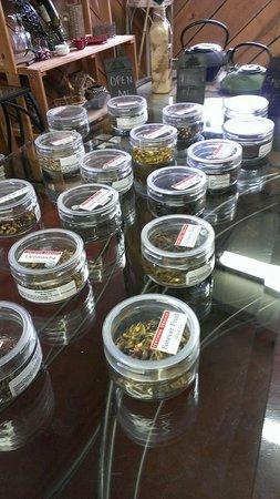 Promeny Olive & Wine: whole loose leaf organic tea