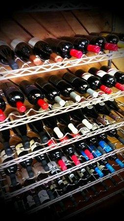 Promeny Olive & Wine: wine, wine, wine for everyone