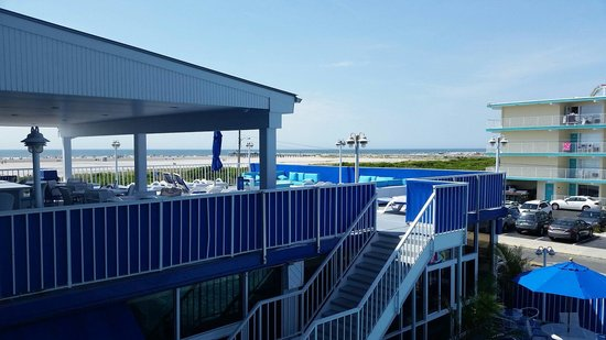 Adventurer Oceanfront Inn: View from 214