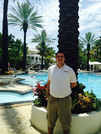 The Raleigh Miami Beach: Joey, who works poolside & provides service with a smile.