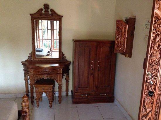 Gusti Kaler House : Furniture room 1